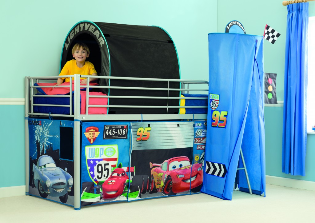 Tunnel De Lit Cars Table De Lit A Roulettes