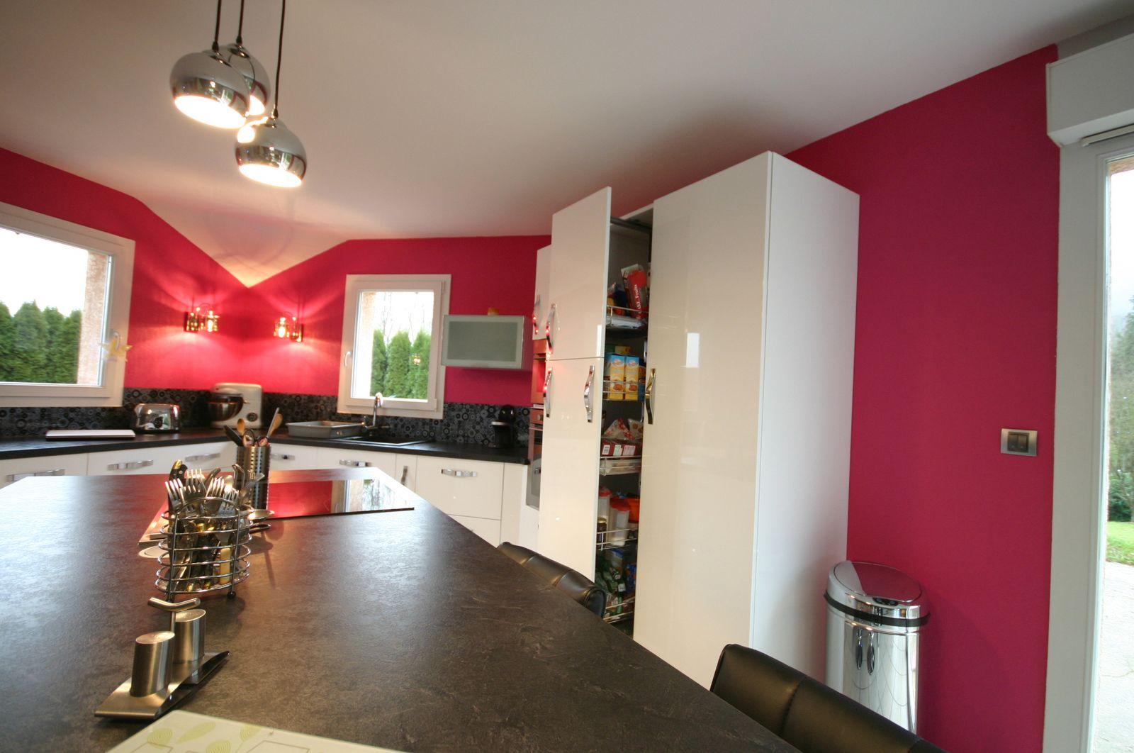 cuisine int gr e lot blanche. Black Bedroom Furniture Sets. Home Design Ideas