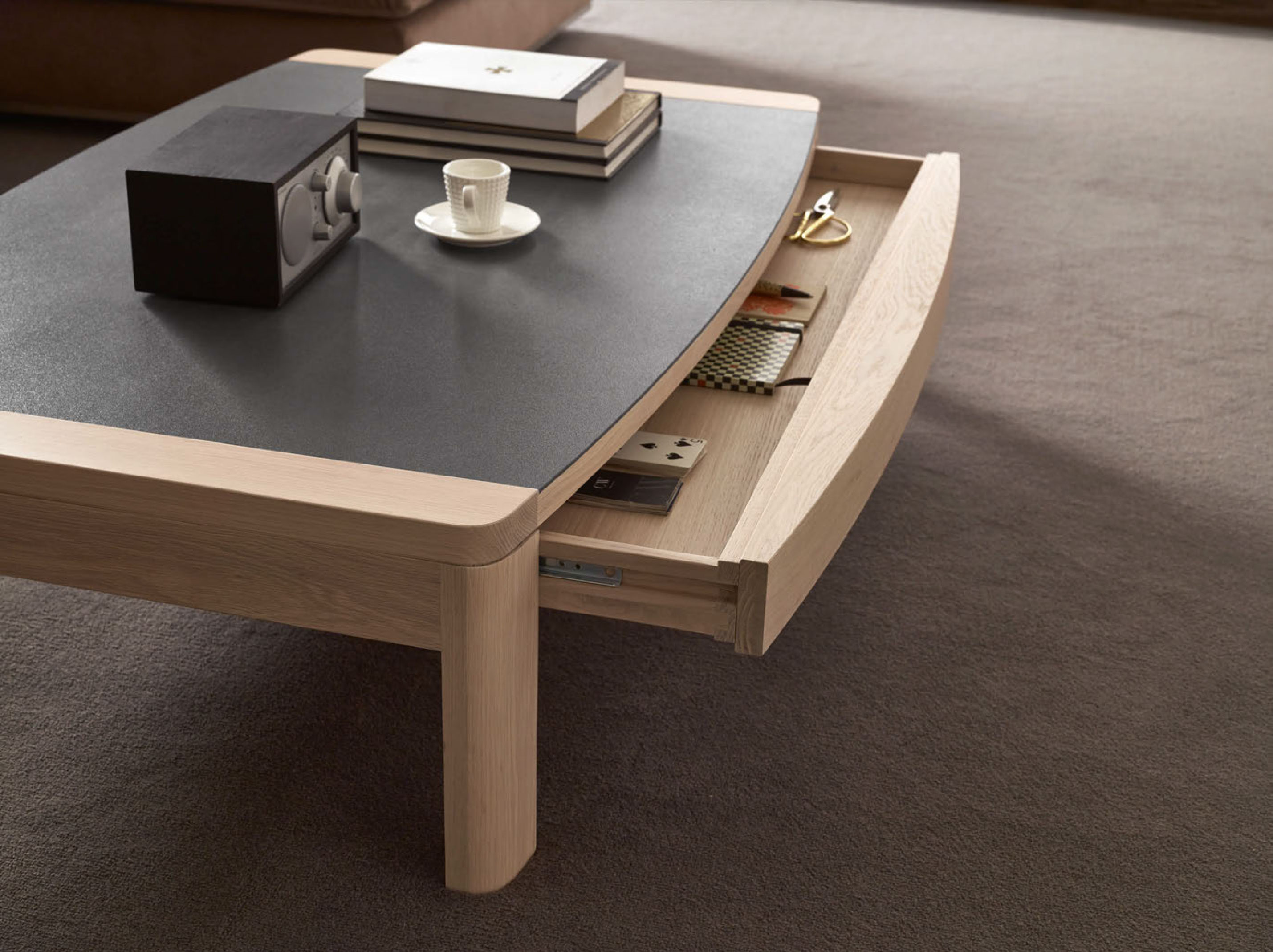 table basse design ceramique. Black Bedroom Furniture Sets. Home Design Ideas