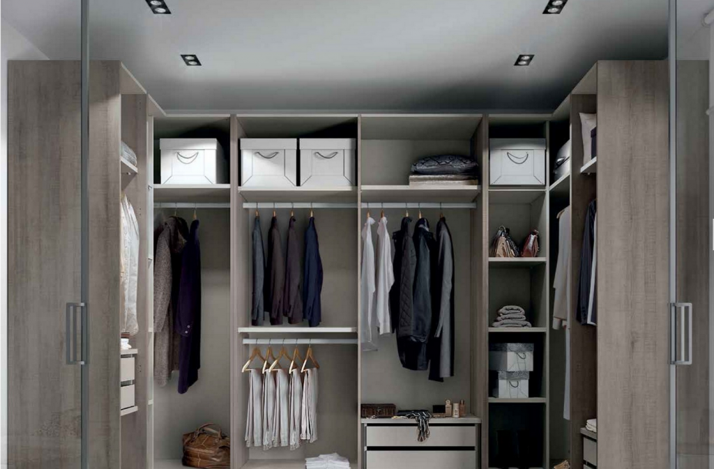 transformez votre petite pi ce en grand dressing. Black Bedroom Furniture Sets. Home Design Ideas