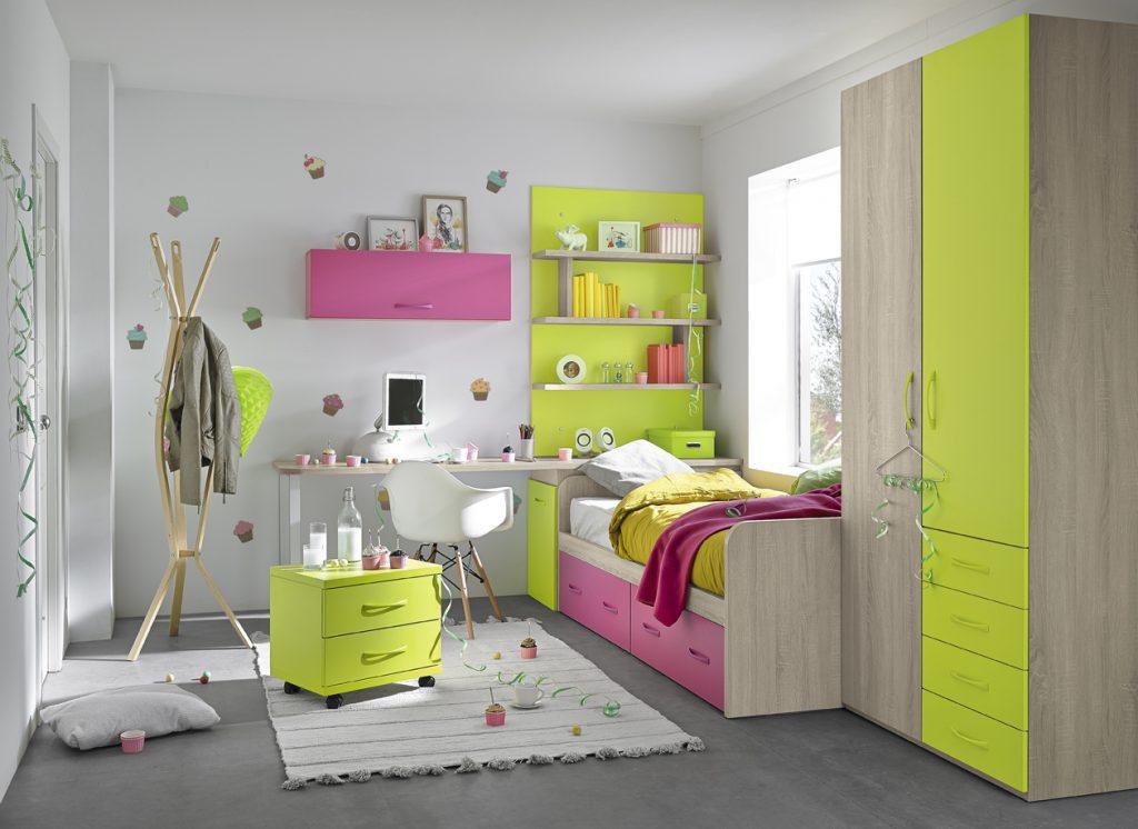 Chambre pour enfant de 7 à 16 ans, rose, verte et blanche, de larges rangements, pratique et fonctionnel